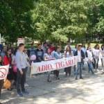 Преподаватели вместе с учениками протестовали против наркотиков