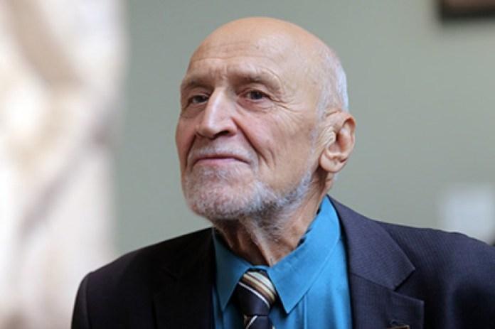 Николай Дроздов предложил исцелять души россиян чтением Библии на телевидении