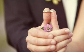 Брак приносит более долгосрочное счастье, чем сожительство