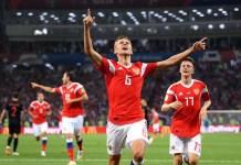 Футболисты-христиане из сборной России благодарны Богу за победы