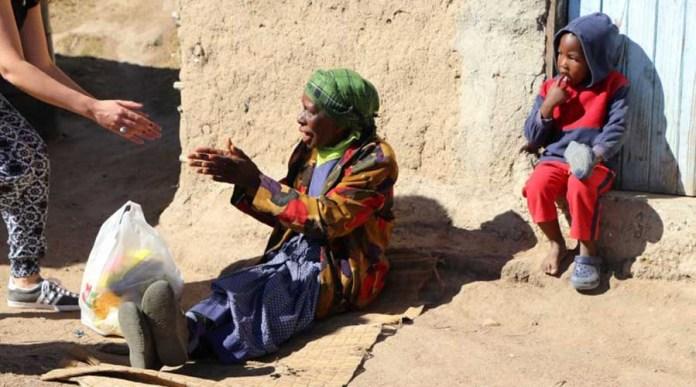 Католические монахи построили в Анголе поселок для пожилых людей