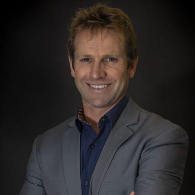 Dr Chris Haw