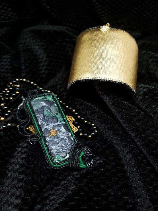 Solal Bijoux Haute Fantaisie manchette avec manchon réversible noir et doré + bijou nomade + collier aimanté de perles