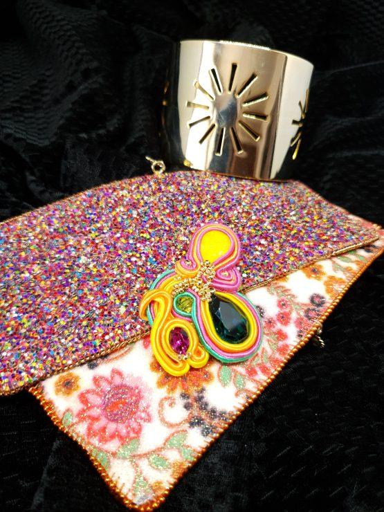 Solal Bijoux Haute Fantaisie bijou nomade jaune, rose, orange et vert + manchette avec manchons réversibles