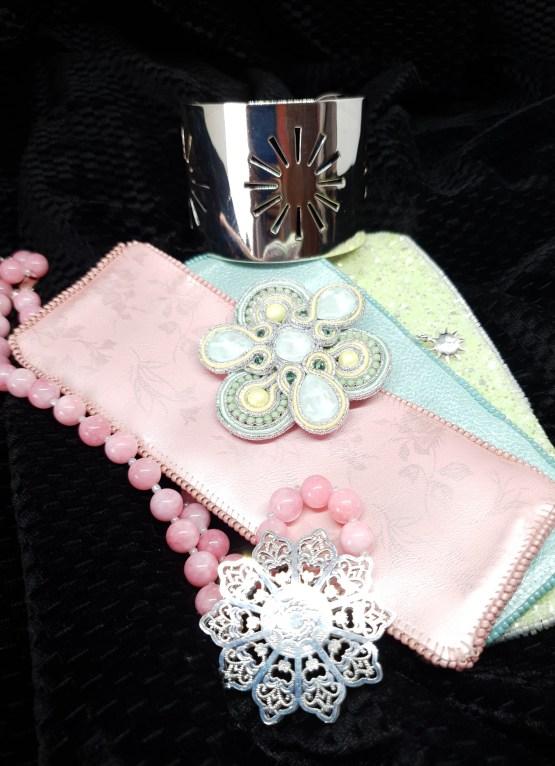 Solal Bijoux Haute Fantaisie bijou nomade pastel vert et jaune + collier aimanté de perles + manchette avec manchons réversibles