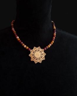 Solal Bijoux Haute Fantaisie collier aimanté de perles en jaspe mokaïte ocre