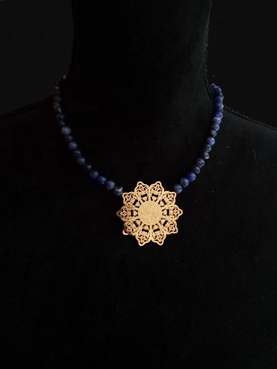 Solal Bijoux Haute Fantaisie collier aimanté de perles en sodalite bleu