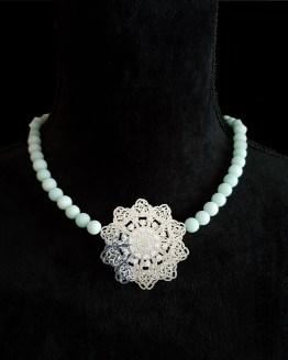 Solal Bijoux Haute Fantaisie collier aimanté de perles en jade mat vert pâle