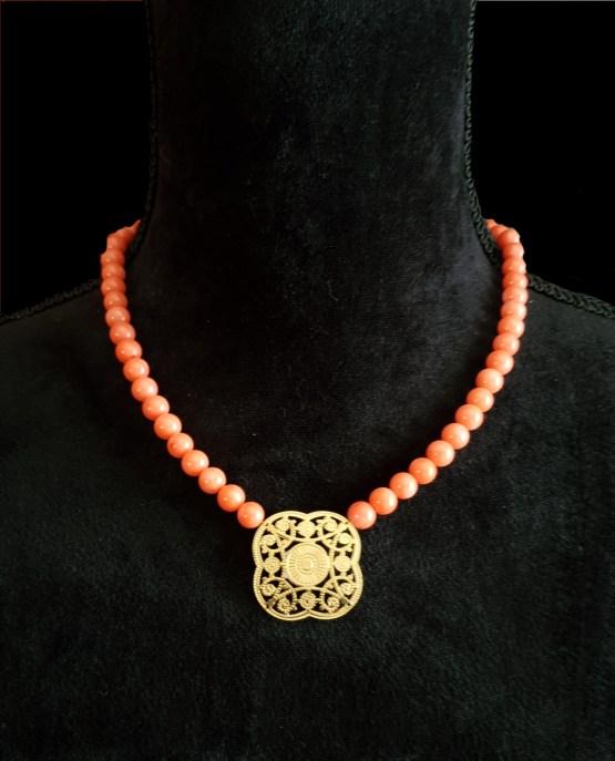 Solal Bijoux Haute Fantaisie collier aimanté de perles en corail