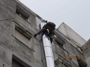 Trabajos verticales en Santander chimenea en panaderias la Gallofa