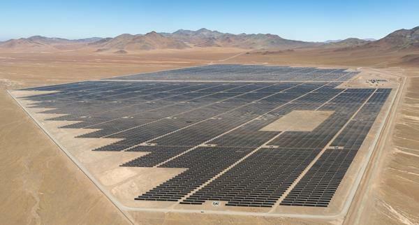 ファーストソーラーがチリに建設したメガソーラー「Luz del Norte」