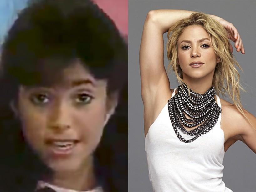 Shakira apareció con un look como de niña de secundaria, con minifalda y diadema