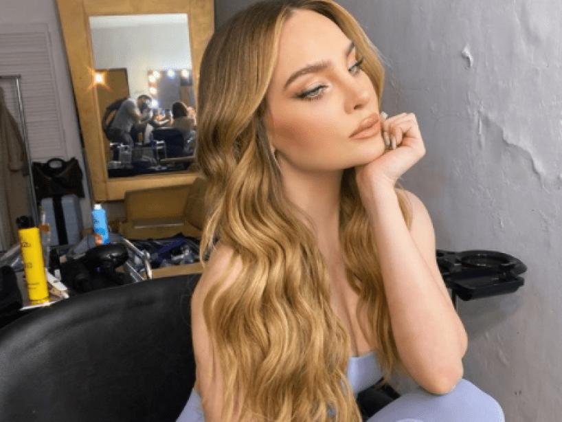 Un hater criticó a Belinda por su atuendo de Iron Maiden y ella lo dejó calladito