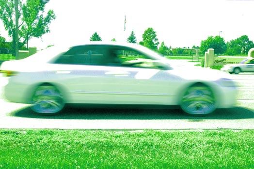 women-drive-green