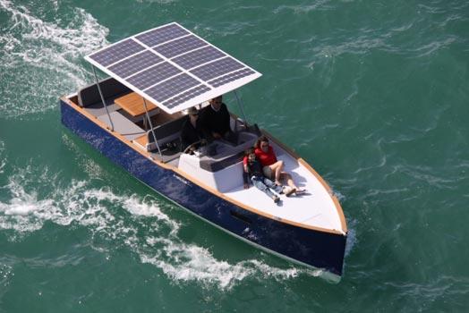 aequus-boat1