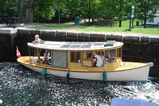 solar-boat-wooden