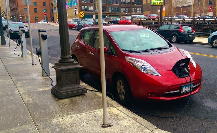 charging-leaf-city
