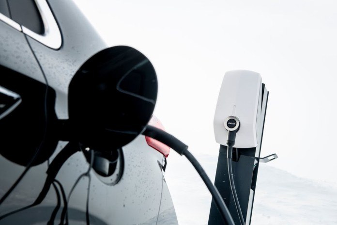 Solar and EVBox collaborate to offer EV charging solutions to installers in Norway
