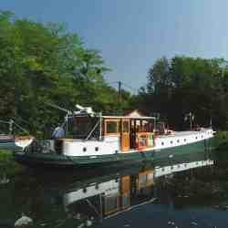 Edgecharter Randle Flussschiff Barge Charter Solar Solbian
