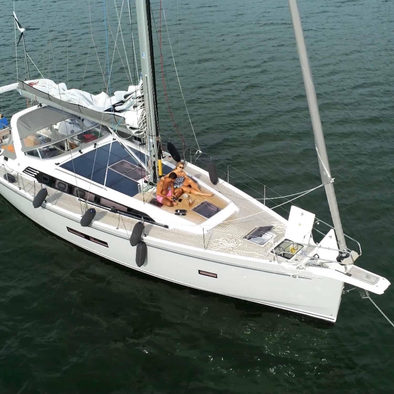 Solbian Solar Sunbeam 46.1 Segelyacht Deck Sprayhood Bimini Solaranlage begehbar