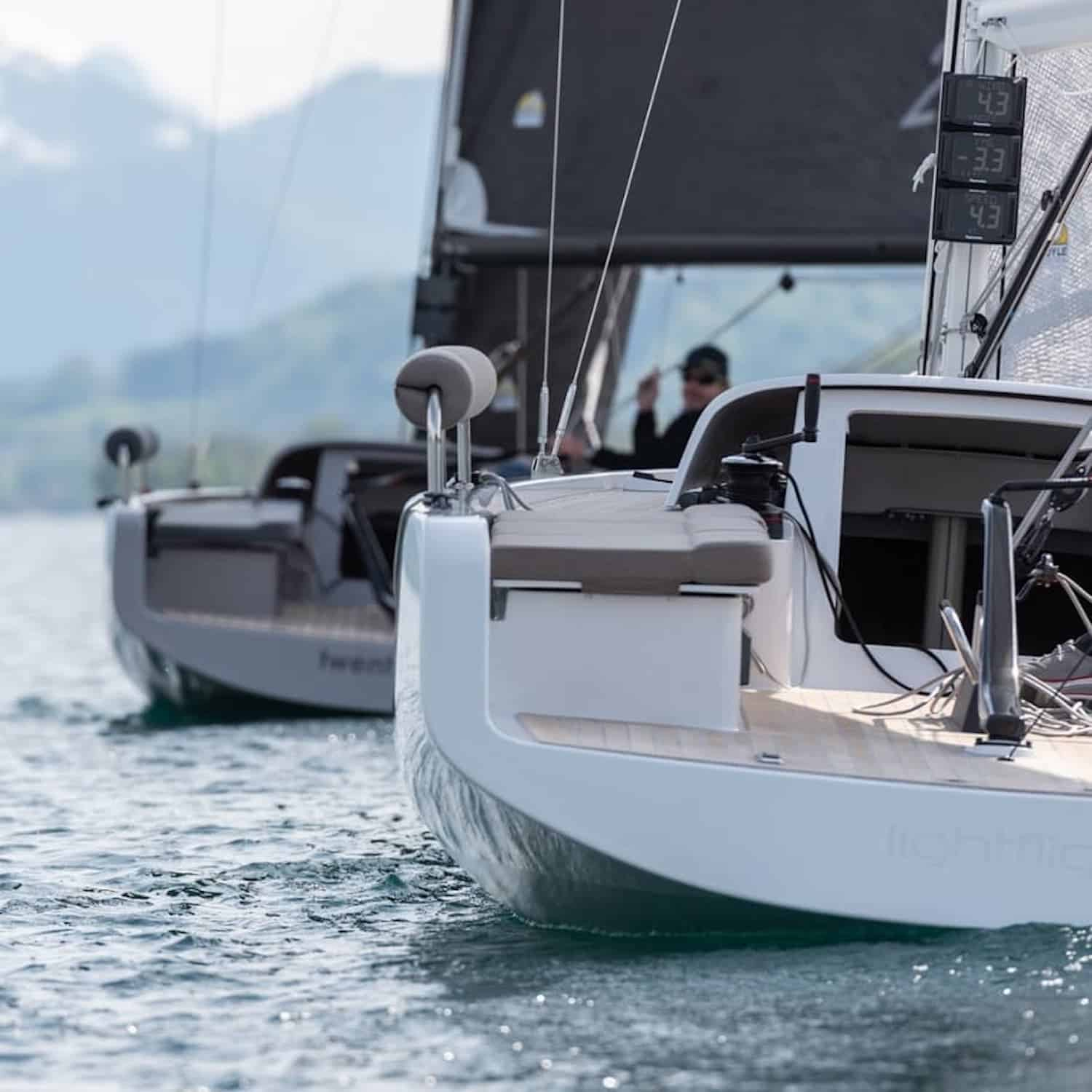 A-Yachts a27 daysailer sailing boat yacht solar system panels walkable deck-mounted