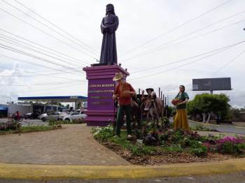 jesus statue at the entrance of the city