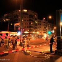 Auto rast nach Unfall in die U-Bahnstation Bernauer Straße Berlin