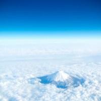 Yamanashi: Une mer de nuage autour de Fuji san.