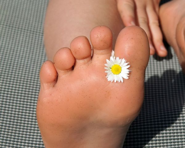 How to have painless feet on your wedding day