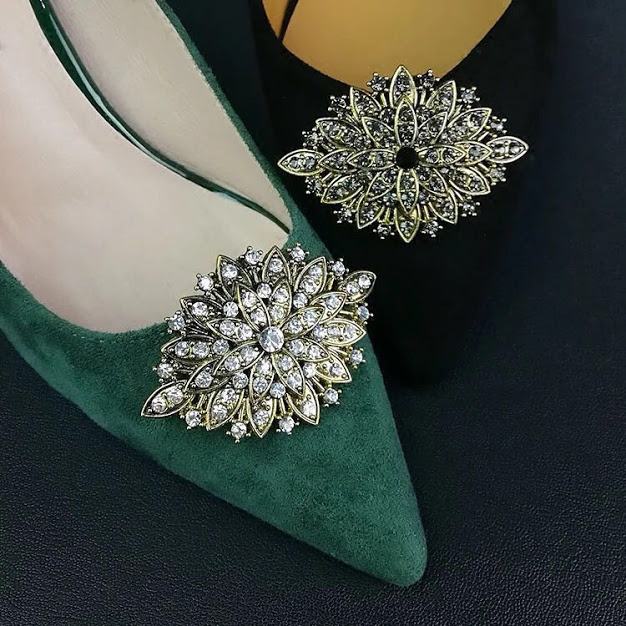 Emerald green suede inspired by claire foy's dress at the BAFTAs