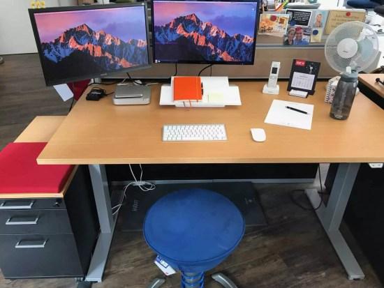 Swopper am Schreibtisch