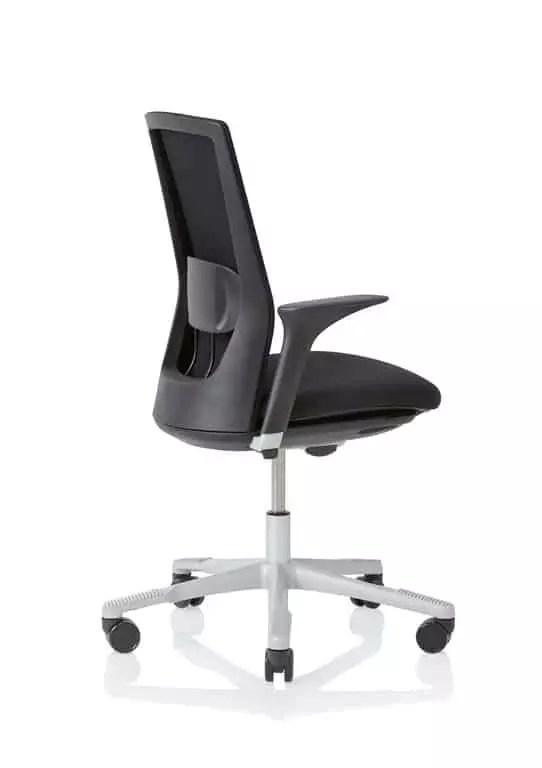 HÅG Futu mesh Bürostuhl mit Netzrücken schwarz Seite mit Armlehne