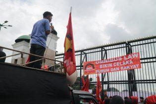 Tolak Omnibus Law: Hanya Bikin Cilaka Buruh dan Rakyat