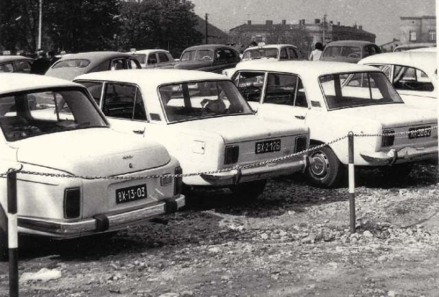 Zdjęcia operacyjne tablic rejestracyjnych samochodów pod Jasną Górą służyły SB do identyfikacji właścicieli pojazdów.