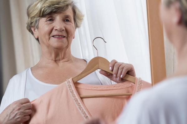 Oblečenie by malo mať jednoduché zapínanie, solid care