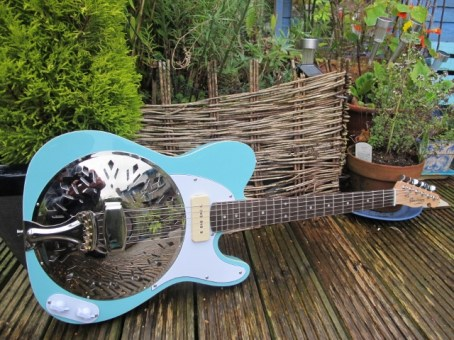 A lovely surf blue Sollophonic guitar with a Bare Knuckle Blue Note P90 pickup, and matching pickguard and control plate. A custom order, and a sweet playing and sounding guitar.