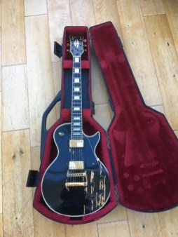 Here's an old warhorse. 1978 Gibson Les Paul Custom which has had a tough life. Imported from New Orleans USA, this has genuine wear and has had a tough life. In for a full fret level, dress and polish and some serious TLC to the hardware and electronics. A true heavyweight in both tone and heft.
