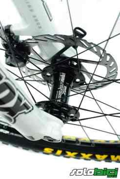 Las ruedas son unas MSC Transformer y cumplieron perfectamente en todos los tests que realizamos.