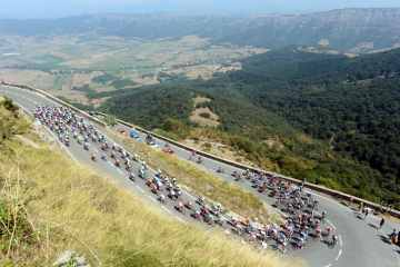 The peloton on stage four of the 2012 Vuelta España