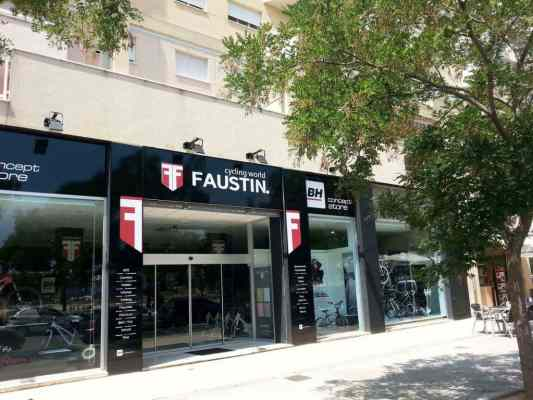 Exterior de la nueva BH stores en Valencia