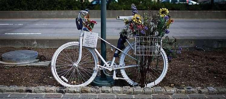 0002 0927 ghost-bike3
