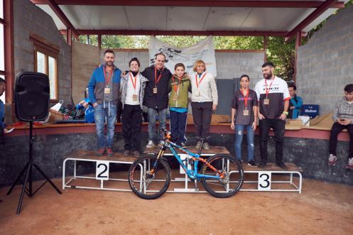 podium-e-mixto