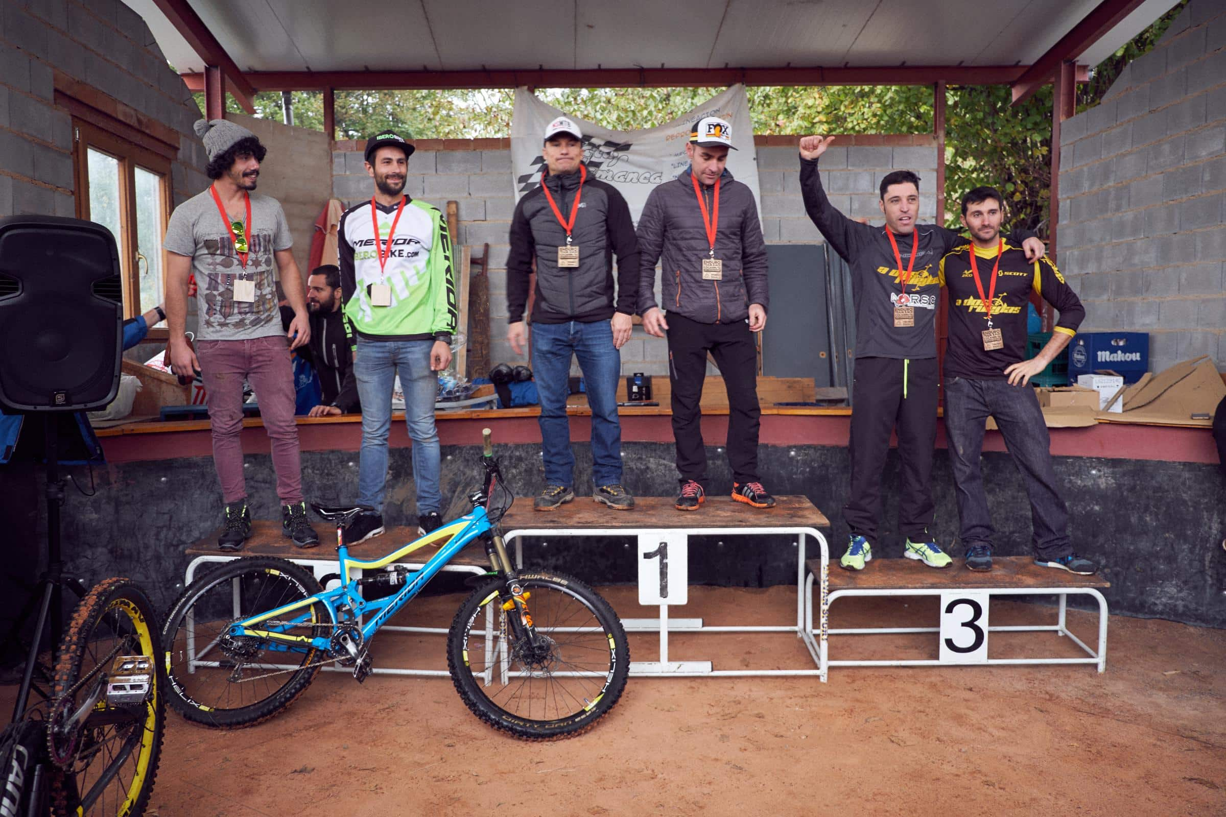 podium-e2