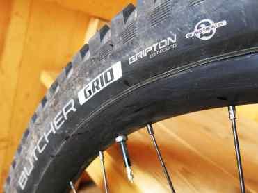 Neumático Specialized 2,8'' con compuesto Grid.