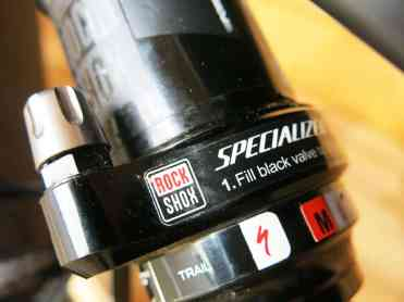 Specialized ha apostado de nuevo por amortiguadores Rock Shox