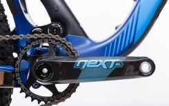 Las exclusivas bielas Race Face NEXT SL han sido customizadas en color, para esta ocasión.