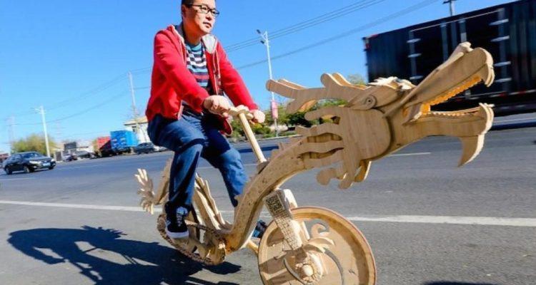 bici con forma de dragón