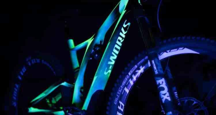 mountain bike fosforescente