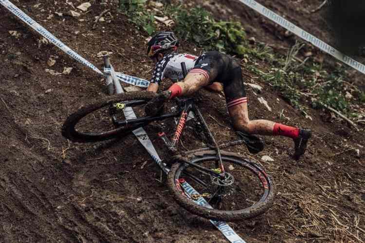 UCI Albstadt caida