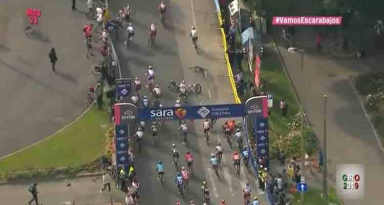 Caída Ackermann Giro de Italia 2019